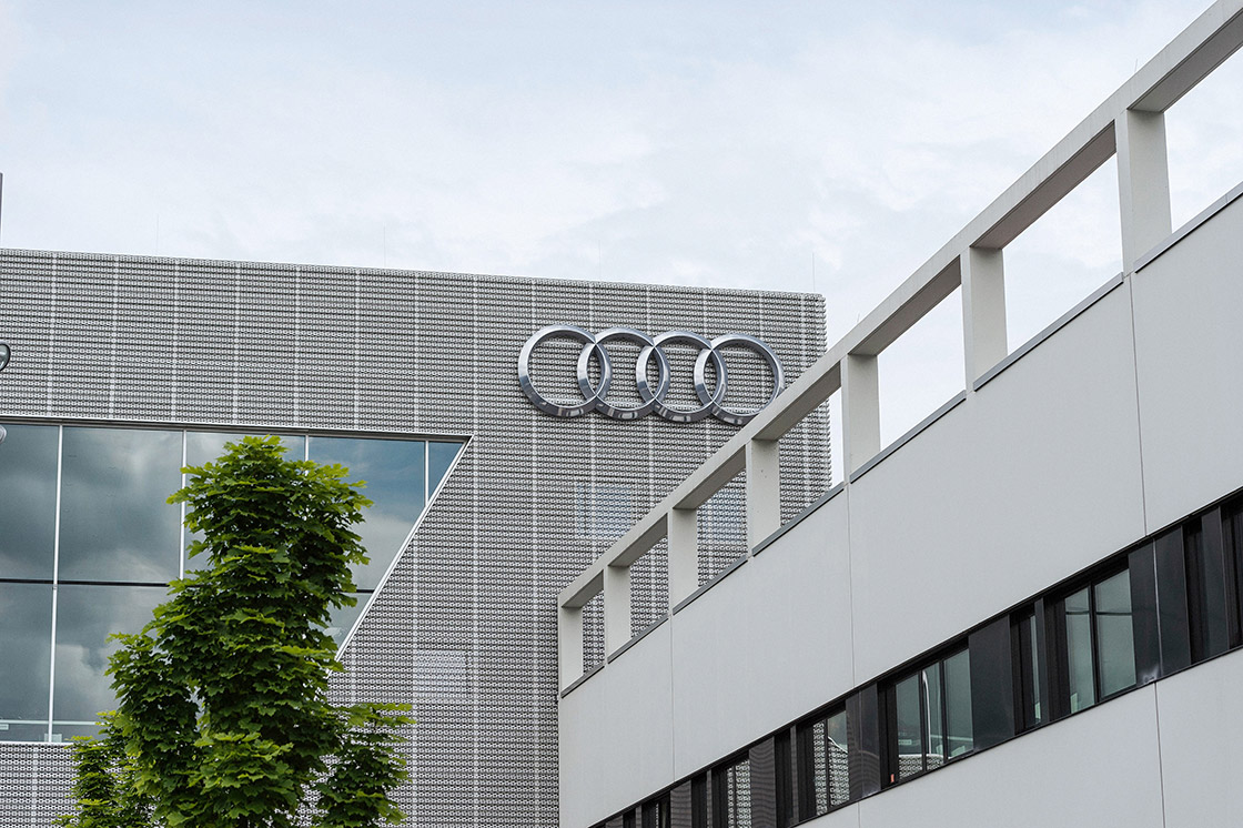 PEOPLE & TALENTS Referenz - Audi - La sucursal de Stuttgart